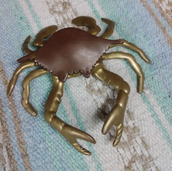 OPENS VINTAGE BRASS CRAB HENGED SHELL 2 TONE